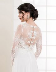 Bodenlanges Brautkleid mit langen Ärmeln und Spitze Seitenansicht