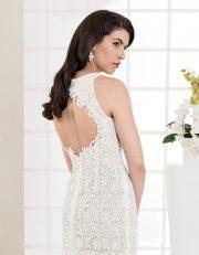 Kurzes Brautkleid aus Spitze mit schmalen Trägern und Rückenausschnitt Seitenansicht