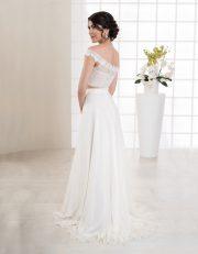 Langes, zweiteiliges Brautkleid mit schmalen Trägern Rückenansicht