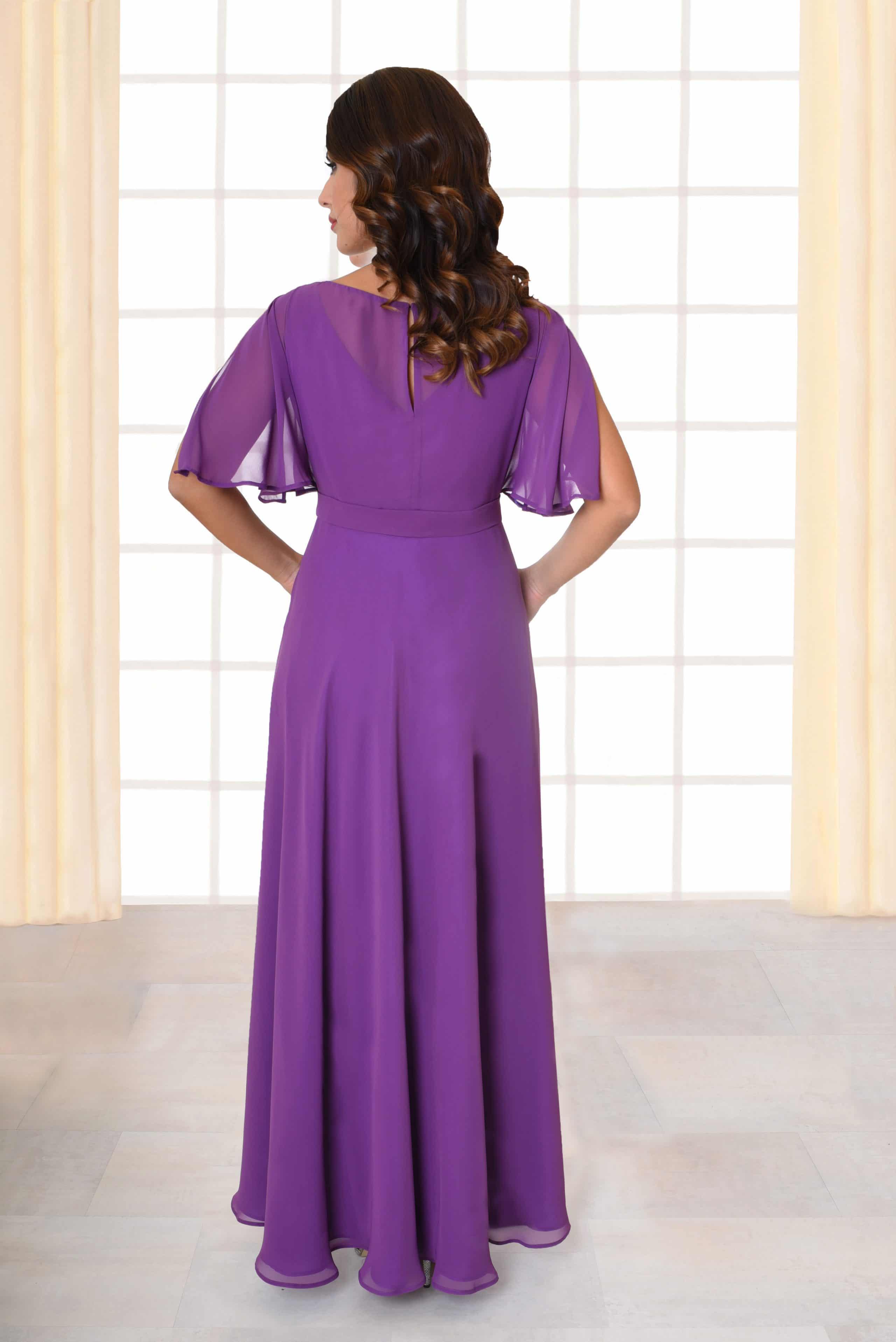 Abendkleid lang Carola lila mit geschlitzten Ärmeln von hinten