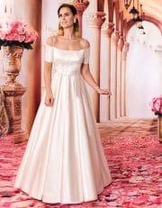 Langes Off Shoulder Brautkleid mit filigranen Trägern von vorne