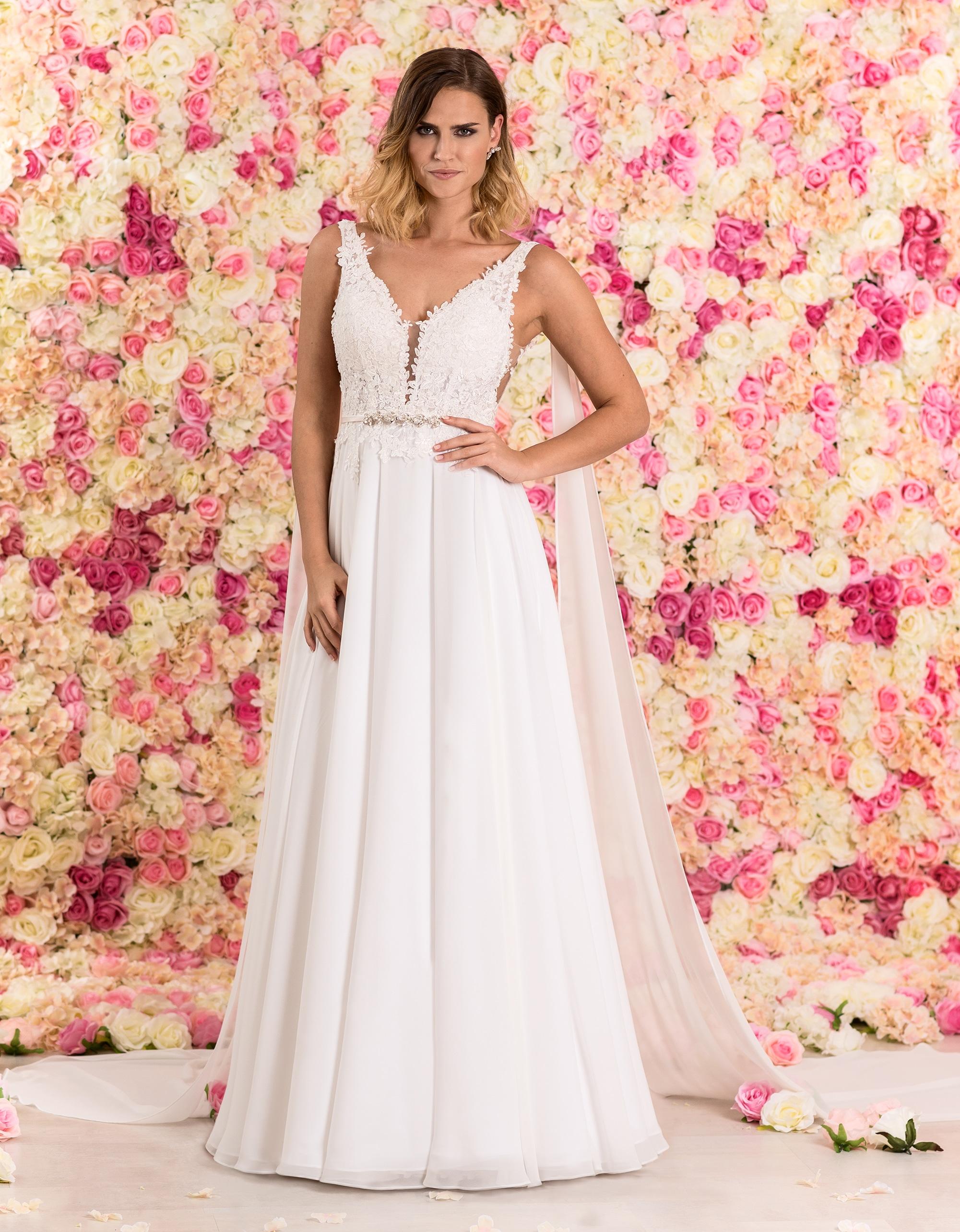 Brautkleid lang aus Spitze & mit tiefem Rückenausschnitt