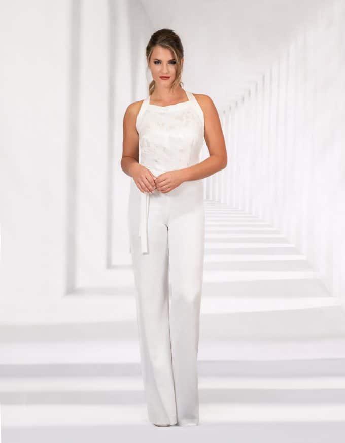 Eleganter Braut Jumpsuit mit Bindegürtel in der Taille