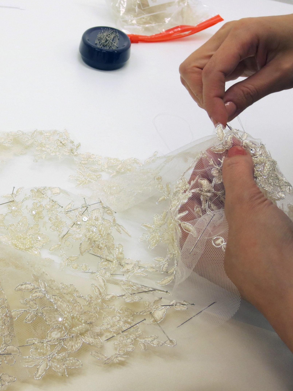 Anfertigung eines Brautkleides nach Maß