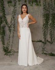 Bodenlanges Brautkleid A-Linie mit Perlen Spitze und Schleppe von hinten