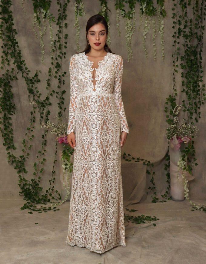 Hochwertiges Brautkleid aus Ornamental Spitze im romantischen Stil