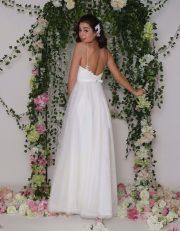 Schichtes Brautkleid in A-Linie und Midi Länge