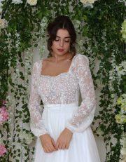 Detailansicht Vintage Brautkleid aus romantischen Spitzen