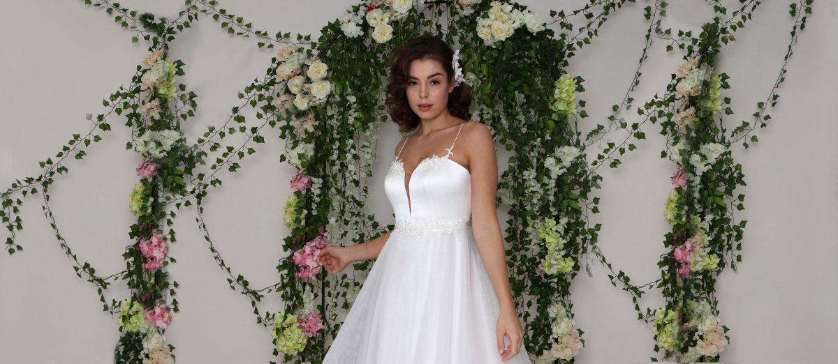 Monica Santana Brautkleider und Abendkleider Verleih Lounge